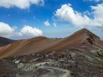 有些山似乎象沙漠 免版税库存照片
