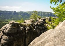 有些岩石在撒克逊人的瑞士国家公园 库存照片