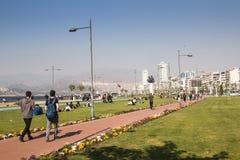 有人的散步在伊兹密尔,土耳其 免版税图库摄影