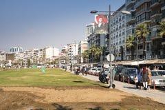 有人的散步在伊兹密尔,土耳其 图库摄影