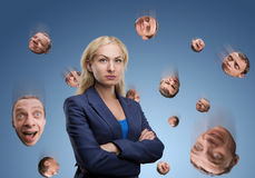 有人的头的妇女在天空中 库存照片
