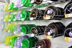 有价牌的亚铁和非铁质板材在商业coun 库存图片