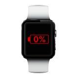 有低电池标志的巧妙的手表在屏幕上 库存照片