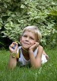 有体育运动奖牌的男孩 库存照片