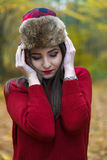 有俄国帽子的妇女 免版税库存照片