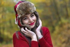 有俄国帽子的妇女 免版税图库摄影