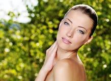 有健康皮肤的美丽的妇女 库存图片