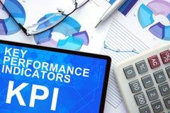 有关键性能指标的, KPI,图表片剂 免版税库存图片