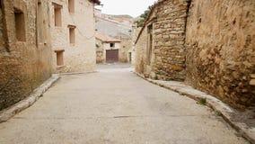 有典型的房子的街道在比利亚罗亚德洛斯皮纳雷斯 股票录像