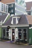 有典型的荷兰门面的商店 库存图片