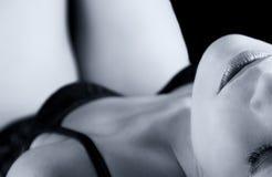 有内衣的艺术性的转换妇女 免版税图库摄影