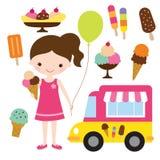 有冰淇凌的女孩 免版税库存照片