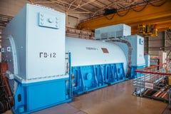 有冷却在核电站机械屋子的氢的涡轮发电器  免版税库存图片
