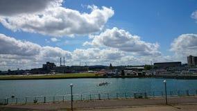 有划艇的平静的泰晤士河 库存照片