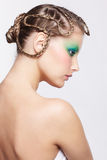 有创造性的发型的妇女 库存照片
