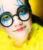 有创造性的脸的疯狂的女孩 免版税库存图片