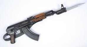 有刺刀的东德卡拉什尼科夫AK-47 免版税库存照片