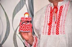 有刺绣和传送带的亚麻布衬衣 免版税库存照片