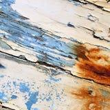 有削皮油漆背景纹理的老小船 库存图片