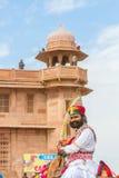 有剑的Rajasthani人 库存照片