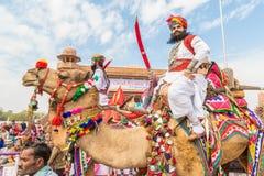 有剑的Rajasthani人 库存图片