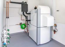 有加热系统的一个锅炉室 免版税库存图片