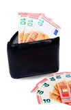 有十里面欧元的黑钱包 库存照片