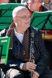有单簧管特写镜头的音乐家 免版税库存照片