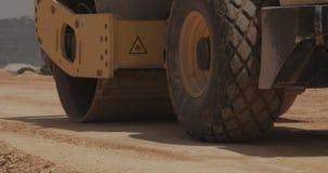 有卡车和重的工具的大建造场所 股票录像