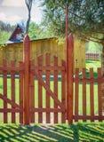 有卫兵的木篱芭 库存图片