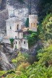 有历史的小山顶城堡在Erice,西西里岛 免版税图库摄影