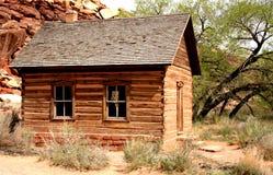 有历史的房子农村学校 免版税库存图片