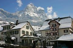 有历史的房子schwyz 库存图片