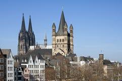 有历史的教会的地平线城市科隆 库存照片