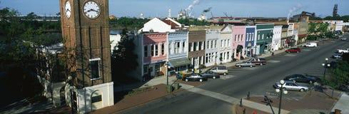 有历史的江边在乔治城城镇  免版税库存照片