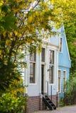 有历史的荷兰语房子在村庄Broek在Waterland 免版税库存照片