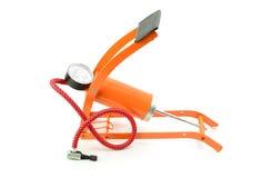 有压力表的脚踏泵在白色背景 库存照片
