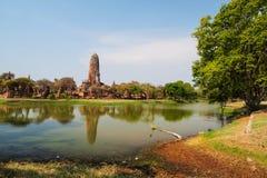 有反射的Wat Phra Ram,阿尤特拉利夫雷斯 图库摄影