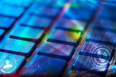 有发光的社会网络象的键盘 免版税库存图片