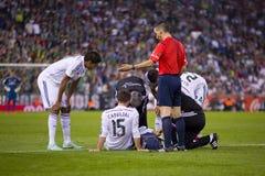 有受伤的球员的医生 免版税库存图片