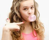 有口香糖的女孩 免版税库存照片