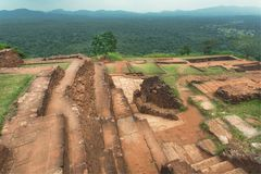 有古老风景和林木的,斯里兰卡历史城市锡吉里耶 科教文组织世界遗产站点 免版税图库摄影