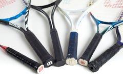有另外品牌的被分类的网球拍 库存照片