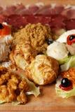 有另外种类的传统塞尔维亚食物板材饭食 苹果酱 库存图片