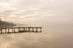 有台阶的木船坞 图库摄影