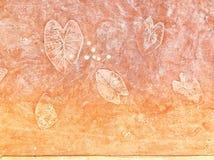 有叶子样式的混凝土墙 库存图片