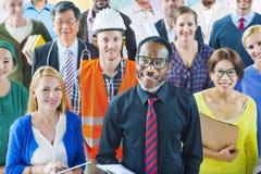 有各种各样的职业的不同种族的小组人民 免版税库存图片