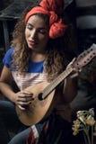 有吉他的女孩 库存图片