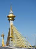 有吊索结构的桥梁 免版税库存照片