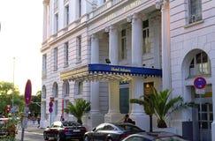 有名望的旅馆大西洋的入口在汉堡有页的德国欧洲阳光的在G20以后s的结尾的一天 图库摄影